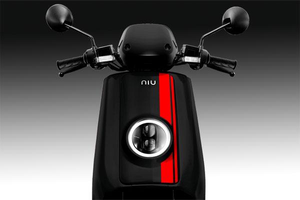 Niu NQi-GT phare